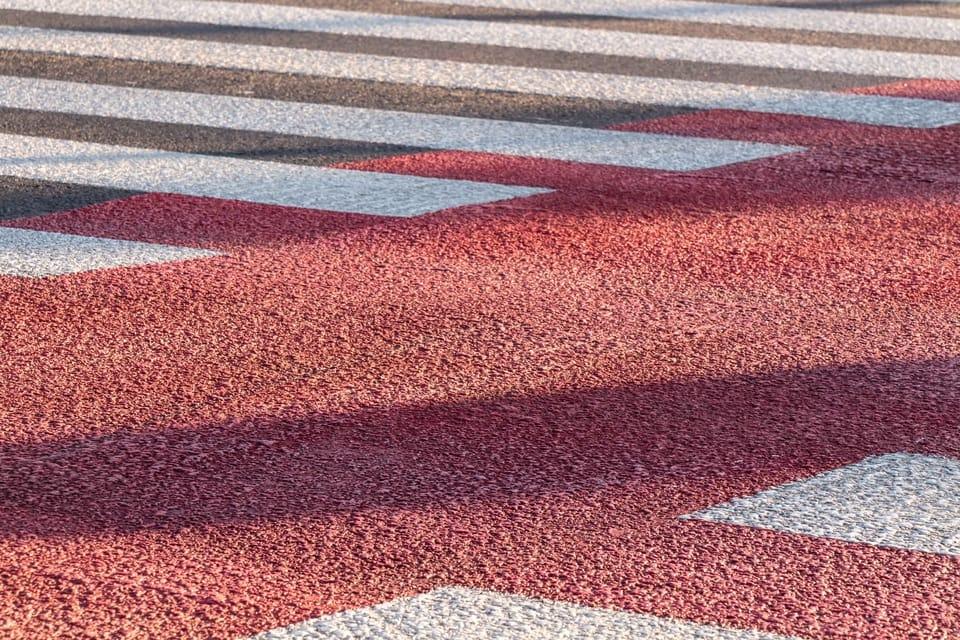 pink-grey-carpet